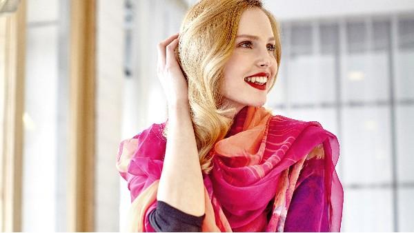 佩琪:教你脸型和围巾的搭配系法