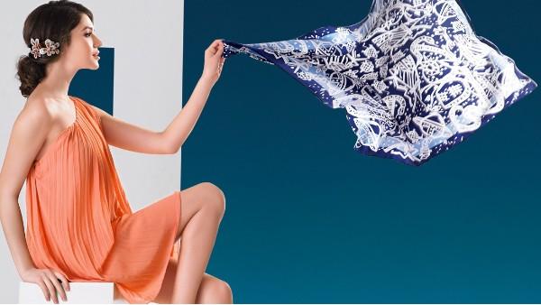 佩琪:秋季丝巾的魅力搭配