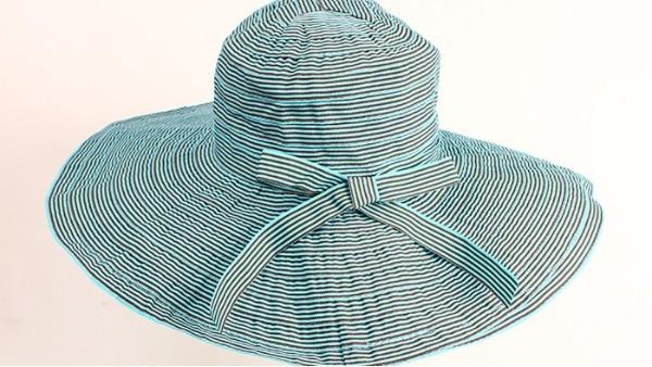 佩琪:拿稳这顶渔夫帽,你的大脸有救了