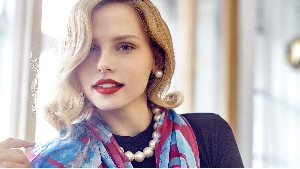 佩琪:流行的珍珠配饰提升气质