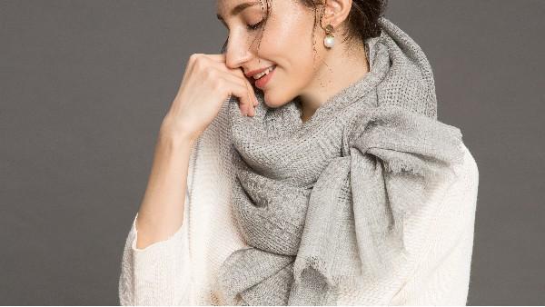 佩琪:冬季围巾搭配指南