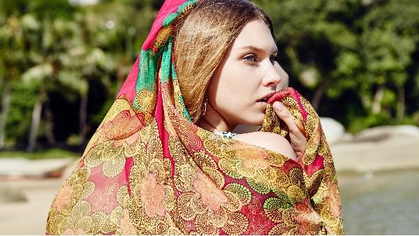 佩琪:围巾颜色挑选和系法