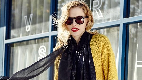 佩琪:给你N个冬季戴太阳镜的理由。