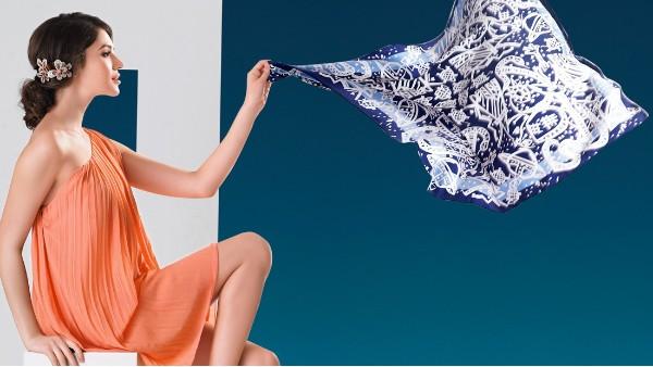 佩琪:秋冬快速时髦?丝巾帮你搞定所有搭配