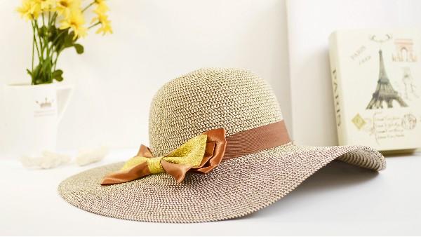 佩琪:夏季遮阳帽巧搭配