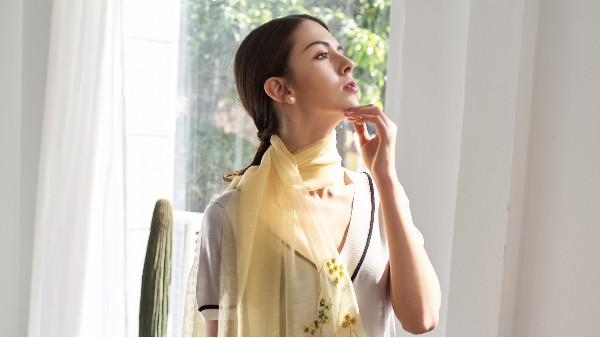 佩琪:超实用的丝巾挑选指南(上)