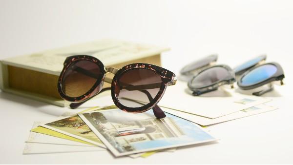 佩琪:揭秘太阳眼镜和墨镜的真正区别点!